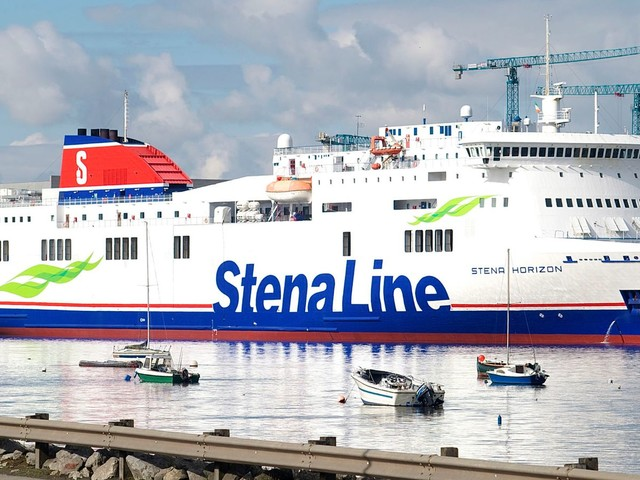 16 people found in sealed lorry trailer on Cherbourg-Rosslare ferry
