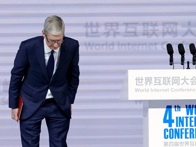 The CEOs of Apple and Google spoke at a conference that critics say makes them 'complicit actors in the Chinese censorship regime' (AAPL, GOOG, GOOGL)