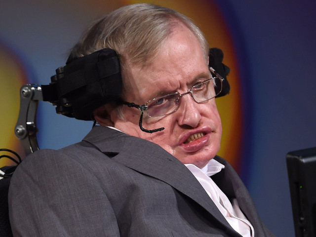 Stephen Hawking Joins Doctors Bringing Legal Action Against Jeremy Hunt