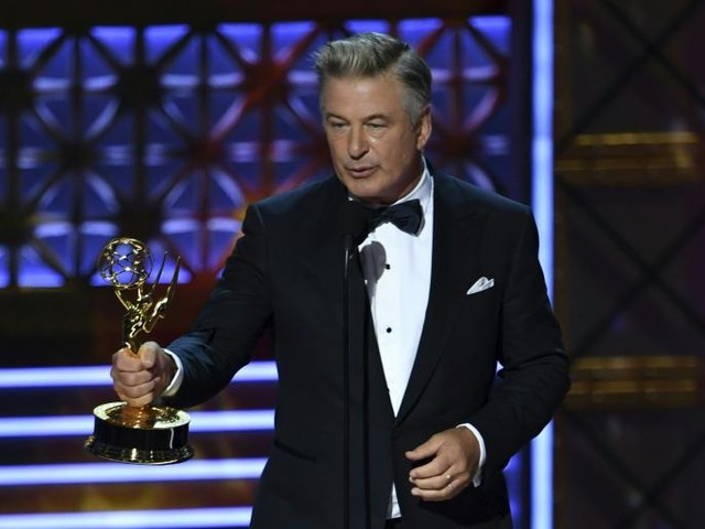 """Alec Baldwin Taunts Trump During Acceptance Speech: """"At Long Last, Mr. President, Here Is Your Emmy"""""""