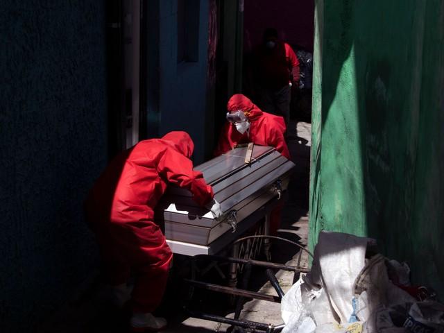 World reacts as global coronavirus deaths pass half a million