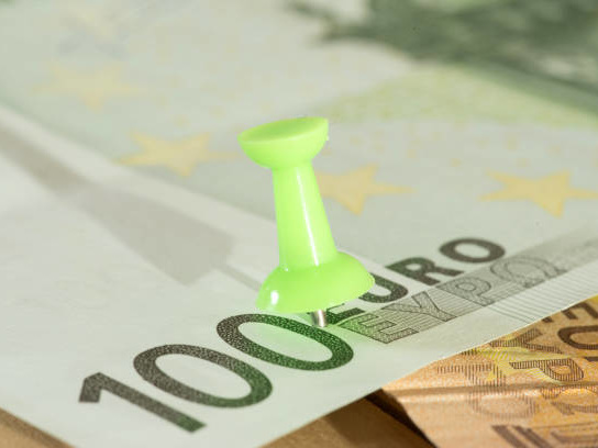 EUR/USD Steady as French Data Beats Forecasts