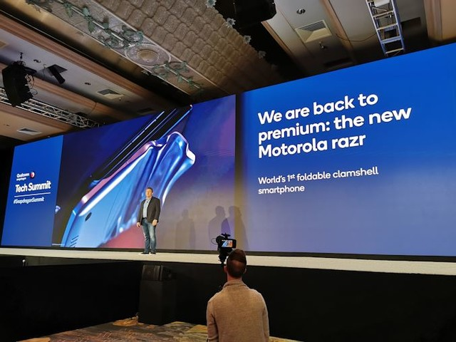 Quick Bytes: Motorola in Profit, 2020 Focus on Innovation, Foldables, and 5G