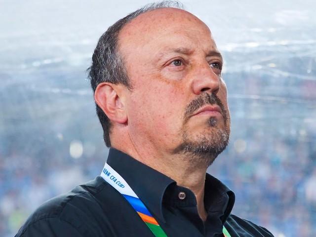 Everton continue Benitez talks as ex-Liverpool boss battles Nuno for job