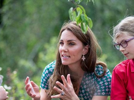 Campaign backed by Duchess of Cambridge urges youngsters to halt bee decline