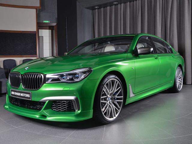 BMW M760Li xDrive in Rallye Green is…Interesting