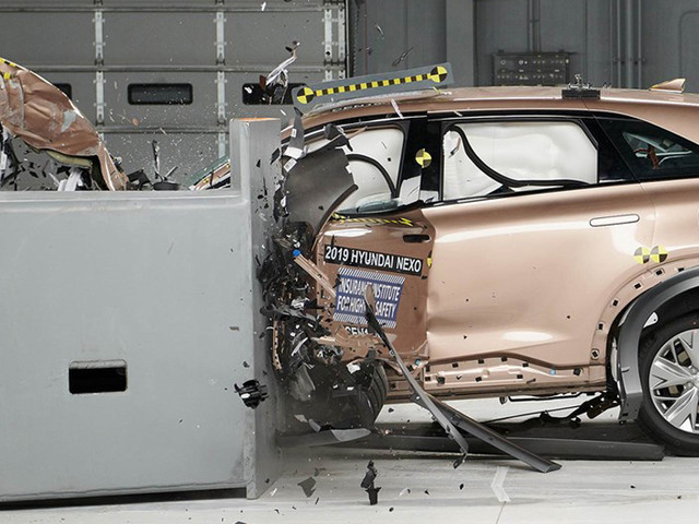 Hyundai Nexo becomes first fuel-cell vehicle to get safety award from IIHS