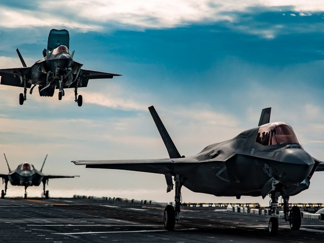 The Marine Corps wants small, agile 'Lightning carriers' with 20 F-35s to tackle China's 'carrier killers'