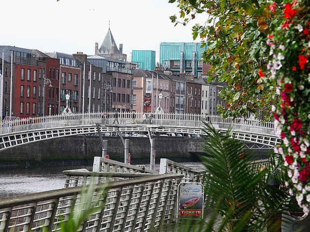 JPMorgan is in talks to buy a Dublin office that can hold 1,000 people