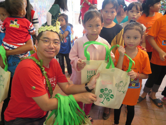 Sports Toto celebrates Christmas with Orang Asli community in Pahang
