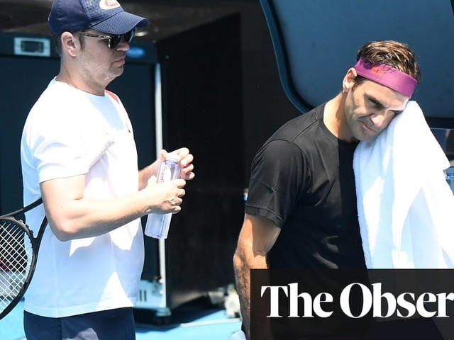 Roger Federer opts for diplomacy as pollution questions fill the air