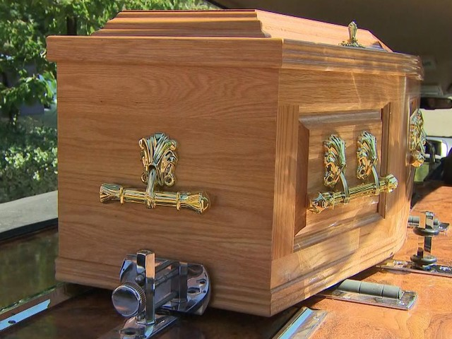 Pandemic sparks rise in crowdfunded funerals as families contend with unexpected deaths