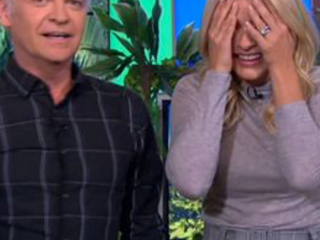 'Get it off!' Holly Willoughby cries out as HUGE snake lifts up her skirt live on This Morning