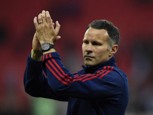 Giggs rules himself out of running for Swansea job