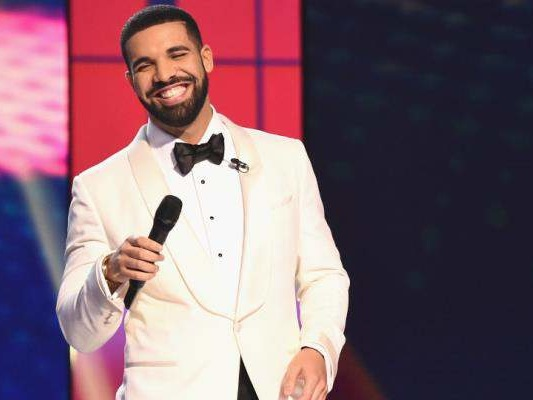 """Wondering How Much Drake Is Worth? Is Charity """"God's Plan"""" for the Canadian Rapper?"""