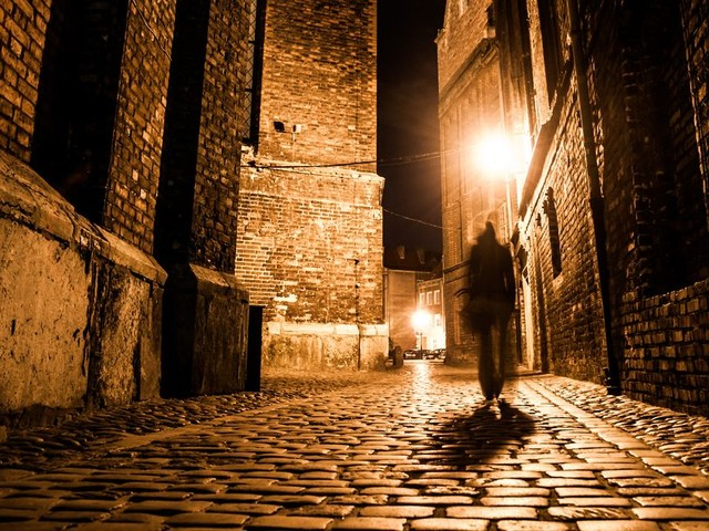 Best ghost tours in the UK for a spine-tingling evening out
