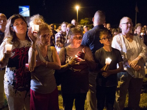 Texas mass shooting leaves US mourning, Trump says guns not to blame