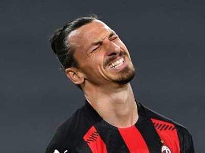 Ibrahimovic's Euro 2020 participation in doubt after AC Milan knee injury