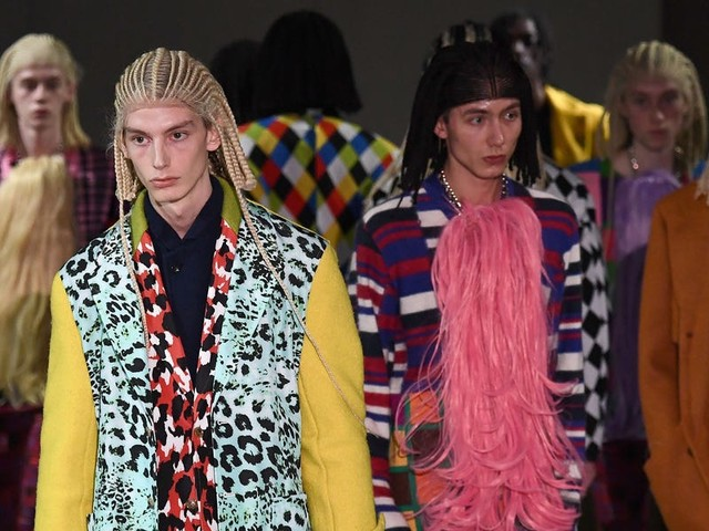 Fashion brand Comme des Garçons is facing backlash after white models wore cornrow wigs at its Paris Fashion Week show