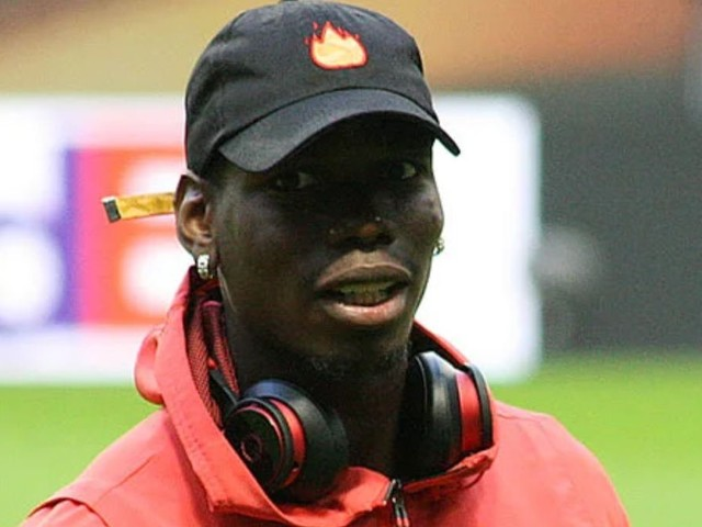 Paul Pogba sends message to Man United fans about his future