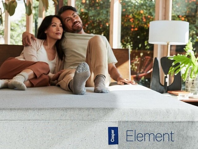 Casper's Element mattress has excellent edge support and motion isolation, but the heat dissipation was unimpressive and the firm foam wasn't supportive
