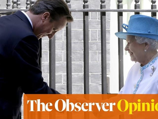 The Queen above politics? Not when Cameron and Johnson come calling | Nick Cohen