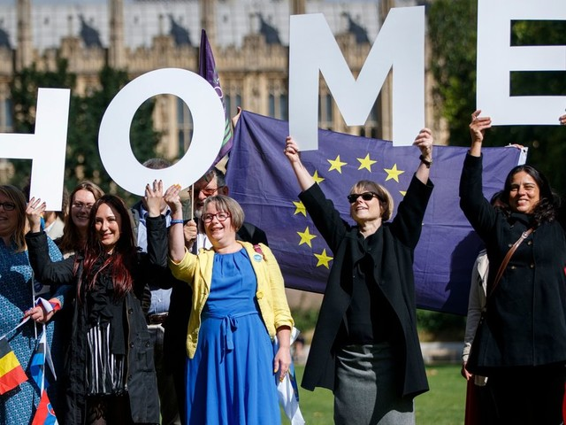 EU Citizens, This Is How You Can Apply To Stay In The UK After Brexit