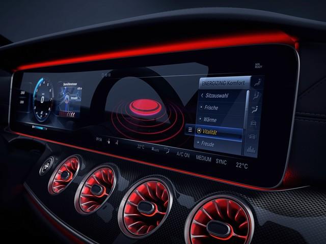 2019 Mercedes-Benz CLS teases its techy interior