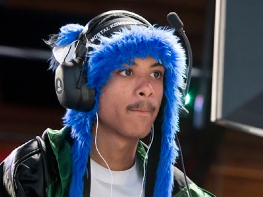 SonicFox donating $10K of his Injustice 2 Pro Series grand prize to opponent's family