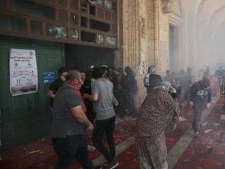 Hamas fires rockets deep into Israel, escalating tensions