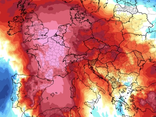 'Hell is coming': Western Europe braces for its hottest weather since a 2003 heat wave killed 15,000 people in France