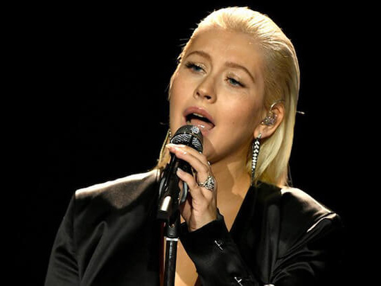 Pink & Ciara Did Not Shade Christina Aguilera's AMAs Performance