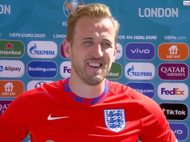 Harry Kane reacts to England position concerns as Southgate tactics questioned