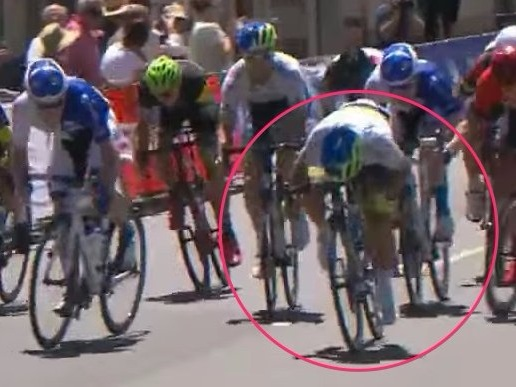 This tiny 22-year-old Aussie bike racer has the most extreme sprinting position in pro cycling