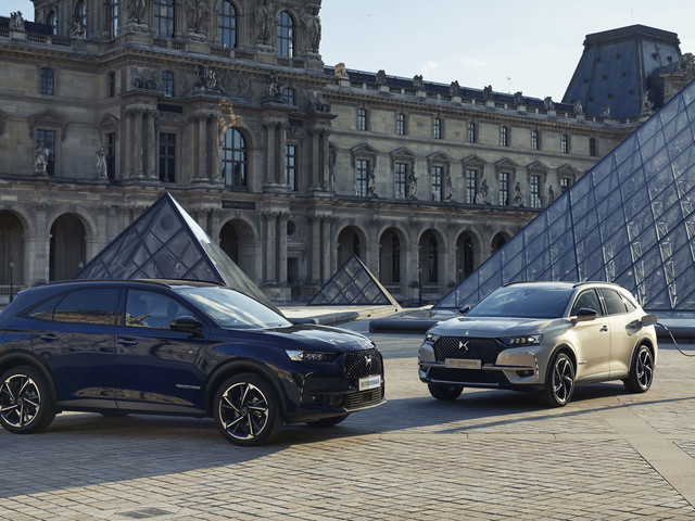 DS 7 Crossback Louvre edition gives virtual gallery experience