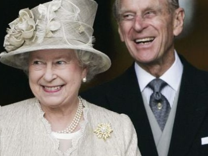Queen honors Duke of Edinburgh as they celebrate 70 years of marriage