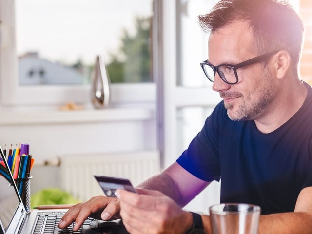 Paying rent with a credit card usually costs extra, but here are 3 reasons why it could be worth it