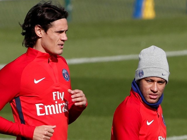 Two Premier League clubs interested in signing Edinson Cavani? Transfer news and gossip from Friday's papers