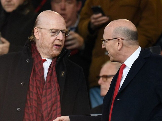 Manchester United 'axe MUTV phone-ins' over anti-Glazer call fears