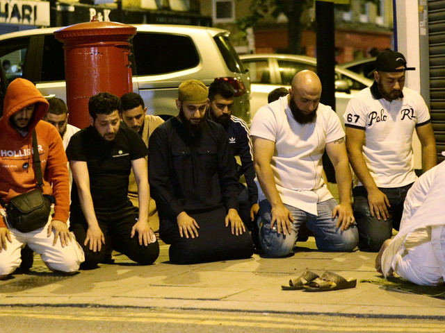 London Mosque Attack: Muslims Hold Prayers Following Terror Attack In Finsbury Park