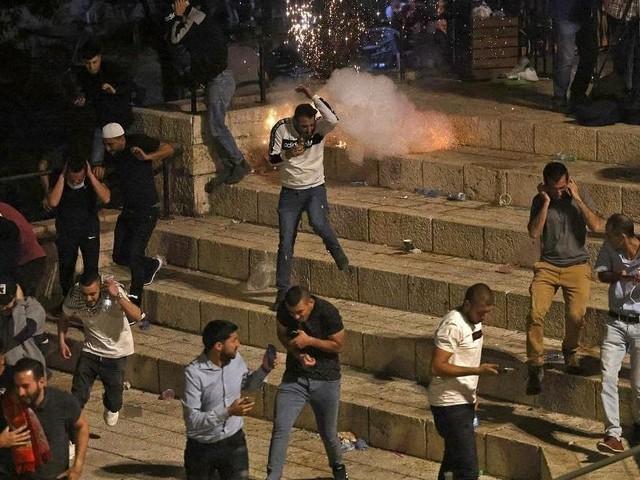 Hundreds wounded in weekend of east Jerusalem violence