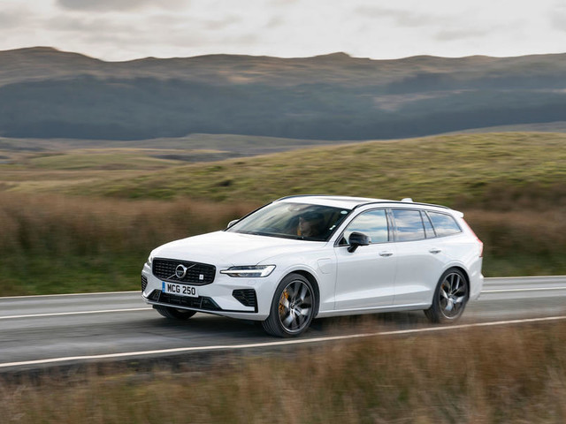 Volvo V60 T8 Twin Engine Polestar Engineered 2019 review