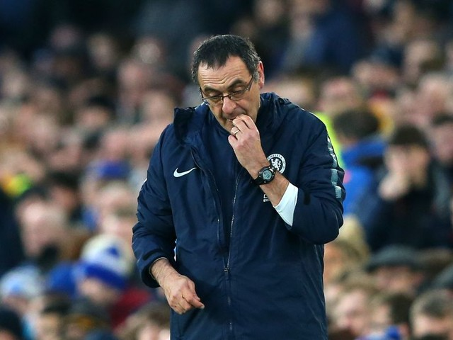 Chelsea's first loss in six sparks Sarri sack speculation anew