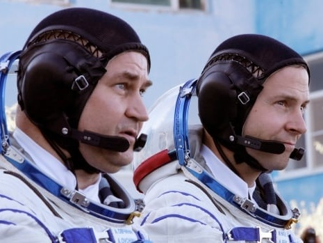 Rocket carrying space station crew fails in mid-air, crew forced to make emergency landing