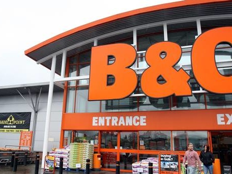 Kingfisher starts hunt for new boss amid plans for more store closures