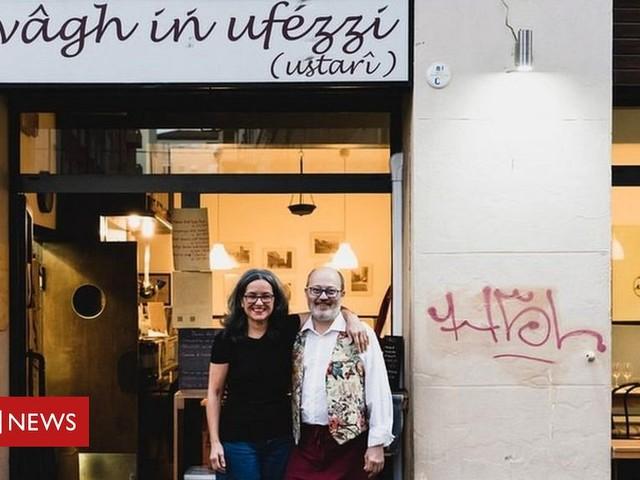 Coronavirus: Italians find new ways to eat out