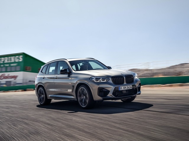 Video: Autocar Reviews the BMW X3 M and X4 M