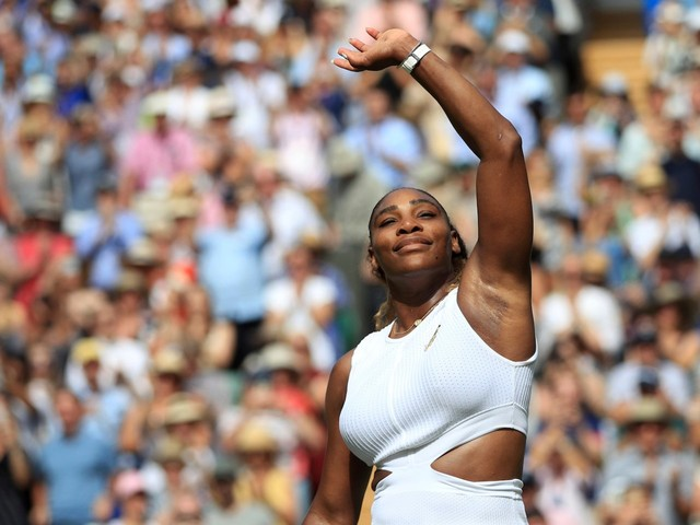 Serena Williams is hoping fans in Toronto cheer for her even though she's facing a popular 19-year-old Canadian in the Rogers Cup final