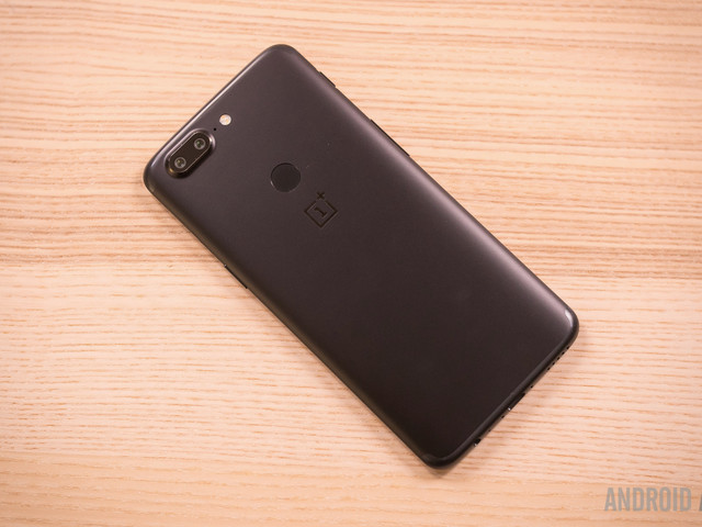 The OnePlus 5T doesn't support HD streaming from popular services