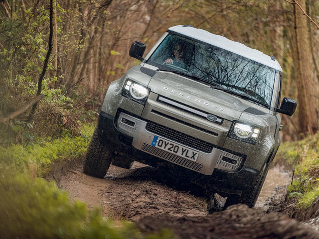 Land Rover to begin hydrogen Defender trials later this year